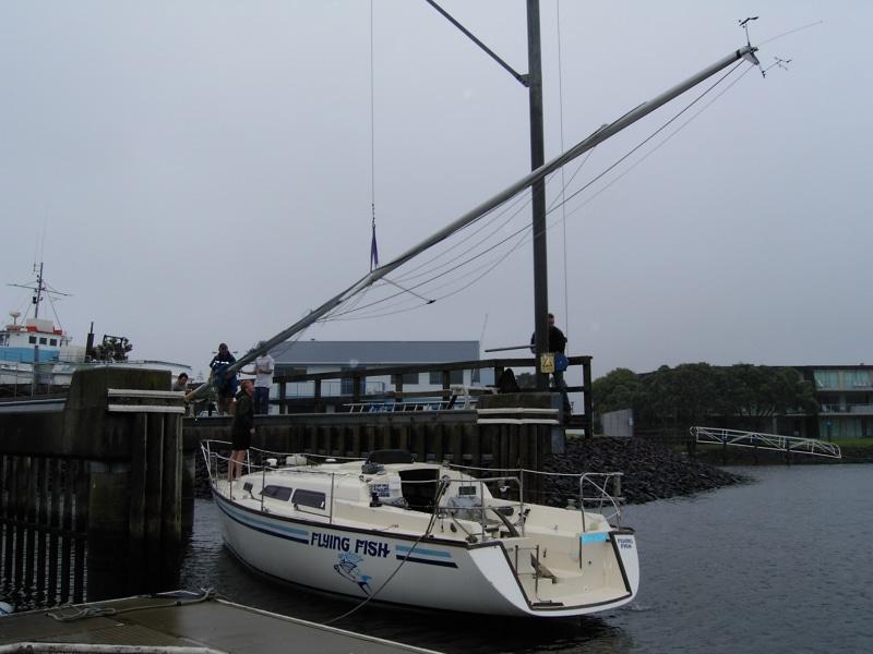 Flying Fish - using mast crane